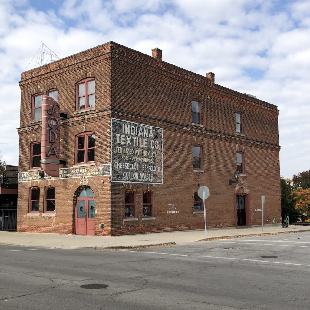 Club-Soda-Dining-Downtown-Fort-Wayne