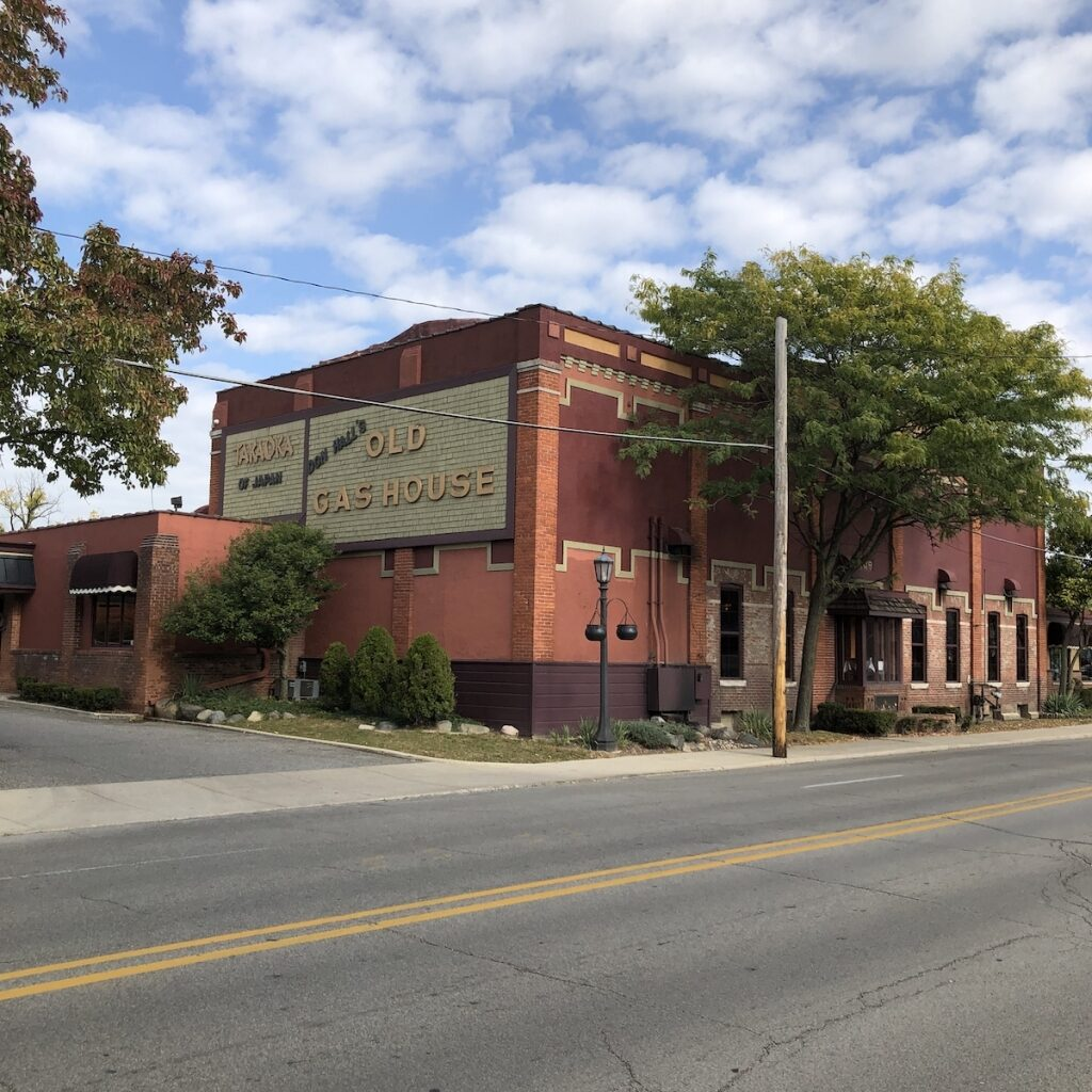 Don-Halls-Gas-House-Dining-Downtown-Fort-Wayne