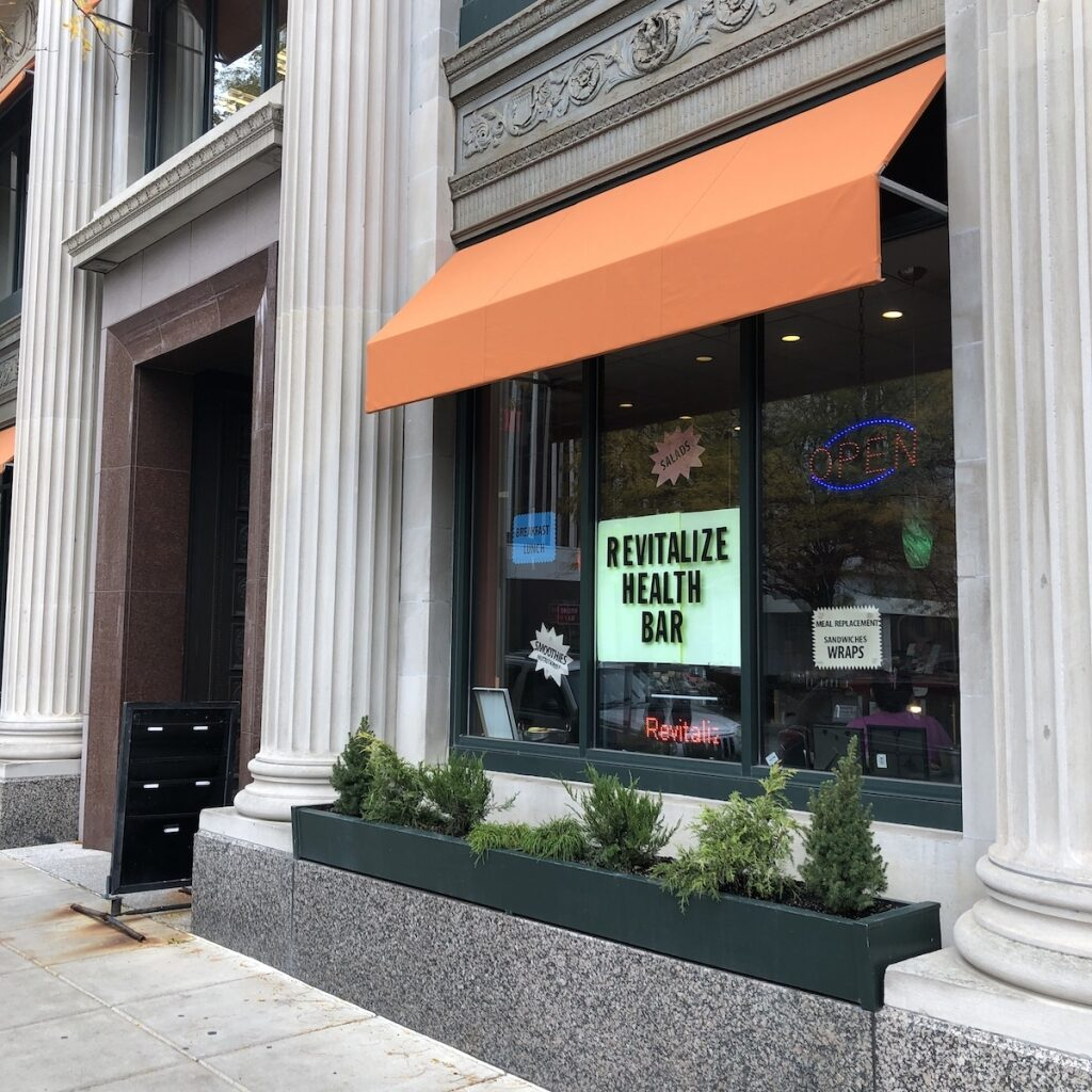 Revitalize-Health-Bar-Dining-Downtown-Fort-Wayne