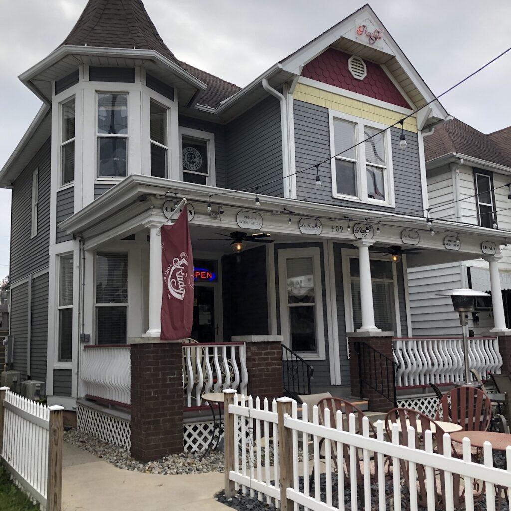 Rudys-Shop-Dining-Downtown-Fort-Wayne